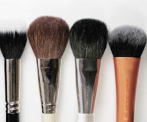 blush brush bakersfield, blush brush bobbi brown, and blush brush beauty image