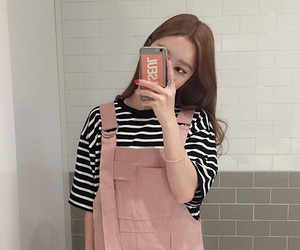 ulzzang, pink, and aesthetic image