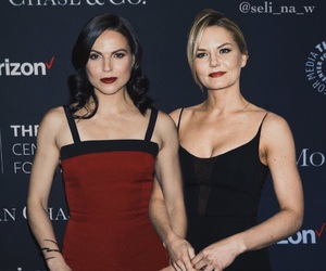onceuponatime, swanqueen, and emmaswan image