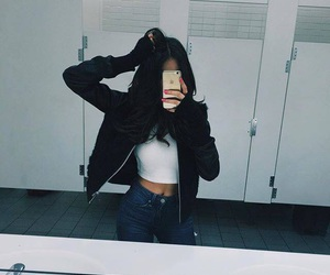 girl, madison beer, and selfie image