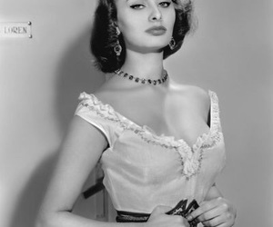 black and white, sophia loren, and old hollywood image