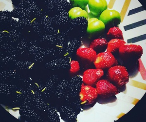 fruit, healthy, and mulberry image
