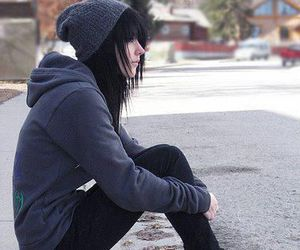 emo and black hair image