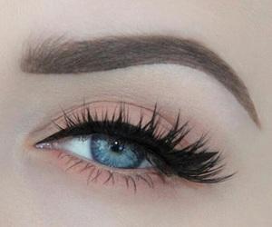 beautiful, eyes, and false lashes image