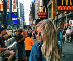 girl, new york, and blonde image