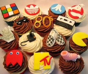 cupcake and 80s image