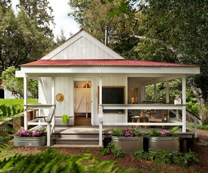cottage and tiny house image