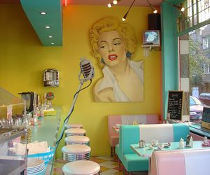 Marilyn Monroe, colors, and pink image