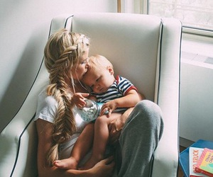 baby bump, cuddling, and family image