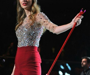 Taylor Swift, fashion, and red image