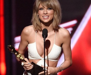 Taylor Swift and billboard music awards image