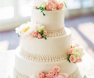 cake, wedding, and pearls image