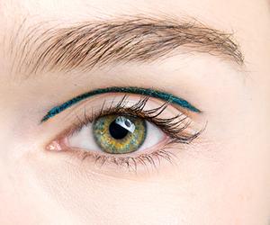 eye, green, and eyes image