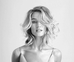 rosie huntington whiteley and model image