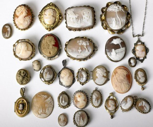 cameo, vintage, and brooch image