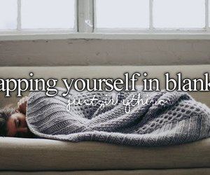 blanket and wrapping image