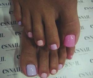 toe nails image