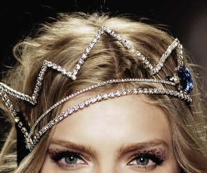 crown, model, and Queen image