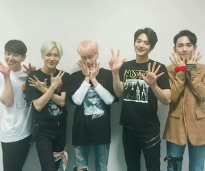 SHINee, key, and Jonghyun image