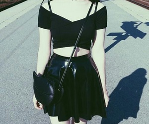 black, grunge, and pale image