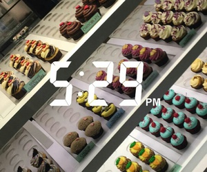 background, cupcackes, and cakes image