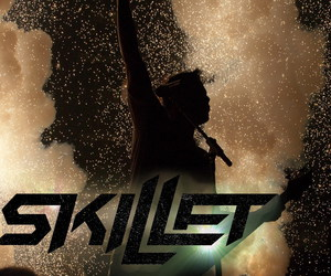 skillet and rock image