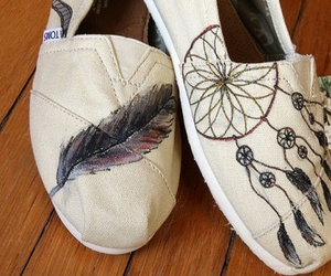 toms, shoes, and feather image