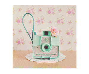 camera, flower, and mint image