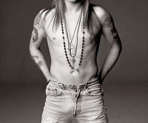 axl rose and Guns N Roses image