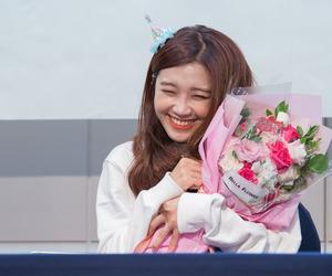 eunji, flowers, and kpop image