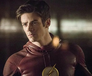 grant gustin, flash, and the flash image