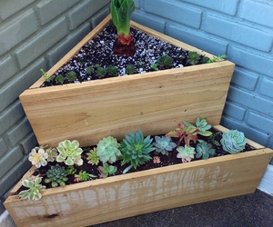 pallet planters, recycled pallet planters, and diy pallet planters image