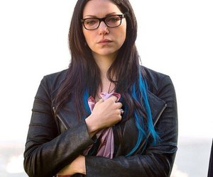blue hair, tv series, and laura prepon image