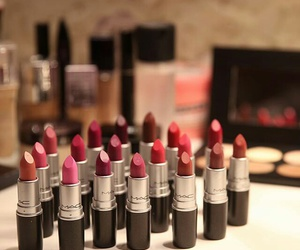 beauty, lipstick, and أحمر image