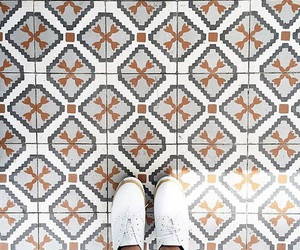 floor and tiles image