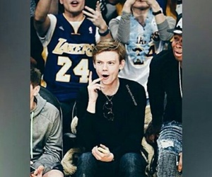 thomas brodie sangster, actor, and Basketball image