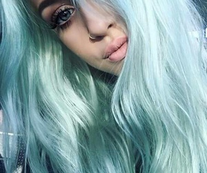 lottie tomlinson, hair, and blue image