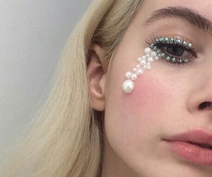 makeup, pearls, and tumblr image