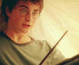 harry potter, daniel radcliffe, and wand image