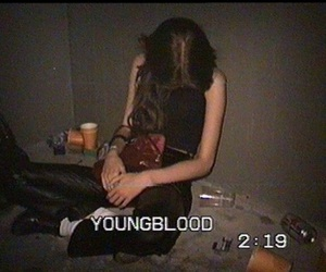 girl, drunk, and grunge image