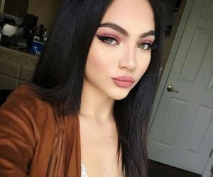 girl, beautiful, and peinados image