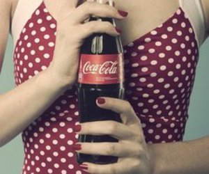 coca cola, vintage, and red image
