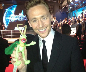 kermit and tom hiddleston image