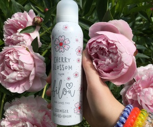 flowers, perfume, and bilou image