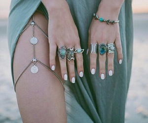 moda, nails, and vestido image
