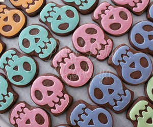 cookie, halloween costume, and skull image