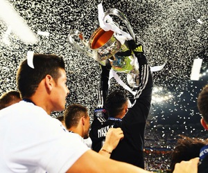 real madrid and la undecima image