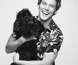 dog and sam claflin image