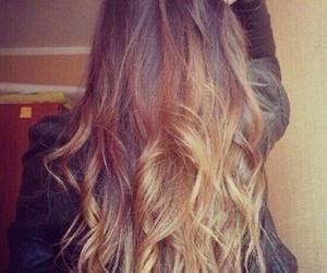 girl, pelo largo, and hair image