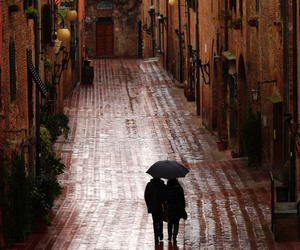 couple, rain, and italy image